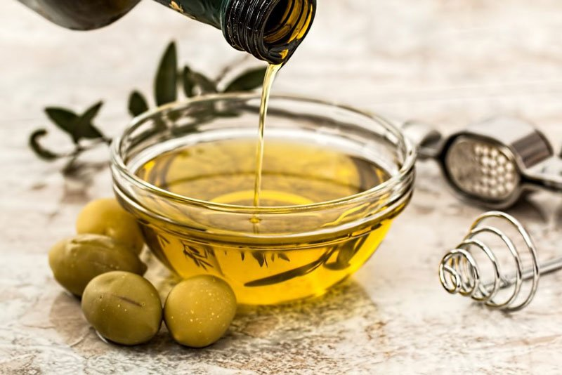 Olive oil is full of antioxidants and is on the keto friendly food list.